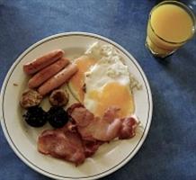 Komplett reggeli